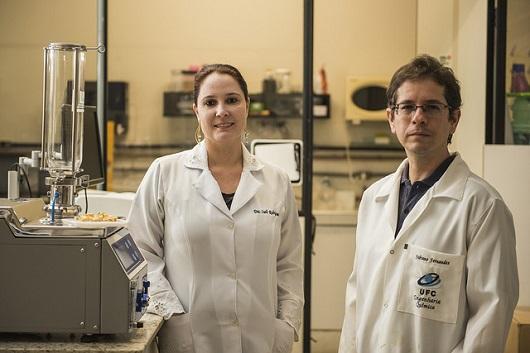 Os coordenadores da pesquisa: Profª Sueli Rodrigues (Labiotec) e Prof. Fabiano Fernandes (LADP)