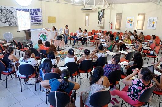Mulheres se reúnem para discutir feminismo e agroecologia (Foto: Beatriz Fernandes)