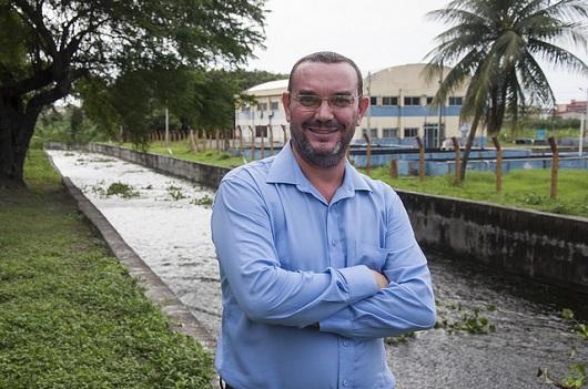 Professor Daniel Albiero, da Engenharia Agrícola, responsável pela pesquisa (Foto: Ribamar Neto/UFC)
