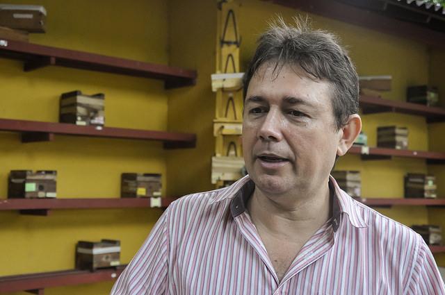 Professor Breno Freitas em imagem de busto e rosto (Foto: Ribamar Neto/UFC)
